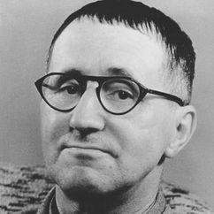 Bertolt Brecht Image
