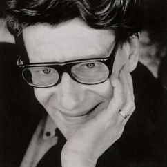 Yves Saint-Laurent Image
