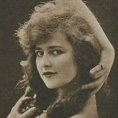 Muriel Ostriche Image