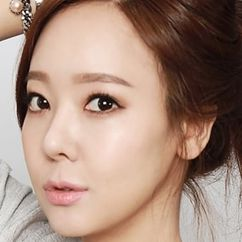 So Yoo-jin Image