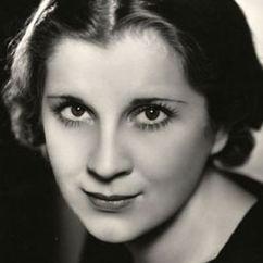 Diana Wynyard Image