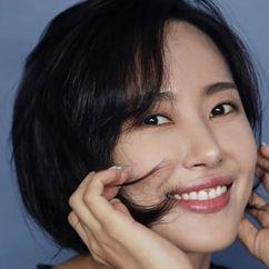 Kim Yoon-seo Image