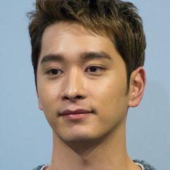 Hwang Chan-sung Image
