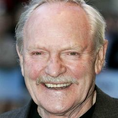 Julian Glover Image