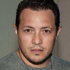 Hector Luis Bustamante Image