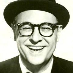 Jack E. Leonard Image