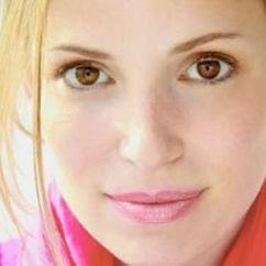 Julia Whelan Image