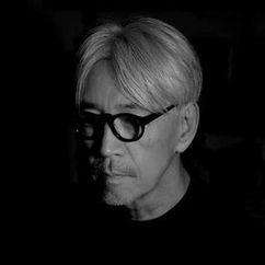Ryuichi Sakamoto Image