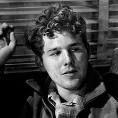 Timothy Bottoms Image