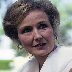 Claudette Nevins Image