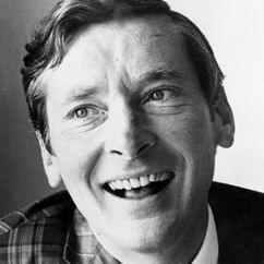 Kenneth Williams Image