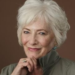 Betty Buckley Image