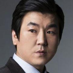 Yoon Je-moon Image