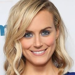Taylor Schilling Image