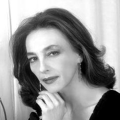 Maria Rosaria Omaggio Image