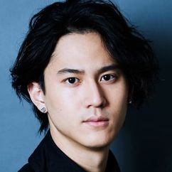Shunsuke Takeuchi Image