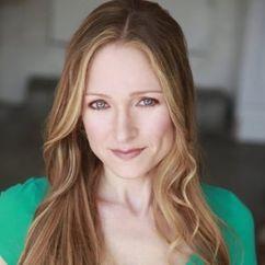 Julie Nathanson Image