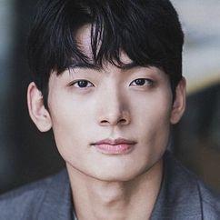 Seo Young-joo Image