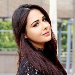 Mandy Takhar Image