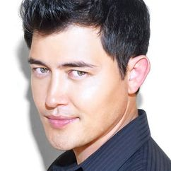 Christopher Sean Image