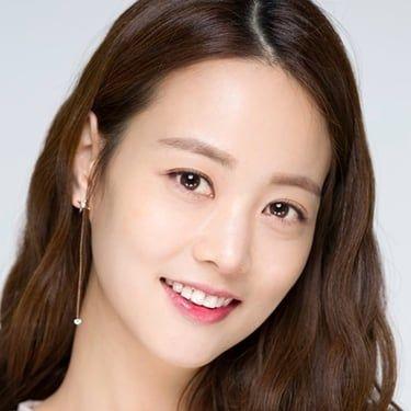 Son Yeo-eun Image