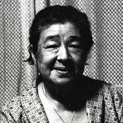 Chieko Higashiyama Image