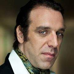 Chilly Gonzales Image