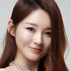 Kang Min-kyung Image