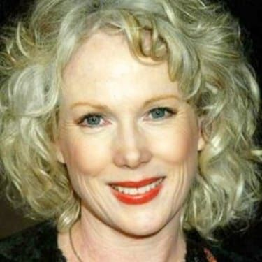 Julia Duffy Image