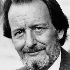 Ronald Pickup Image