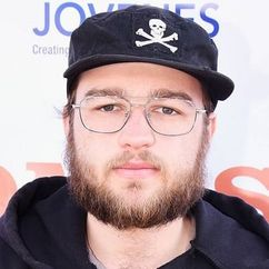 Angus T. Jones Image
