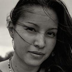 Nikki Lowe Image