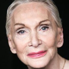 Siân Phillips Image