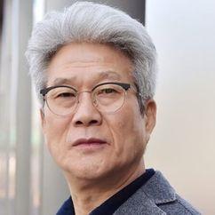 Lee Do-gyeong Image