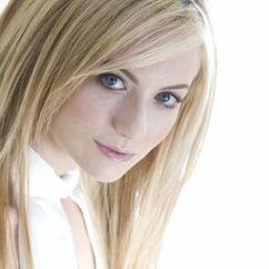 Naomi Hewer Image