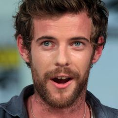 Harry Treadaway Image