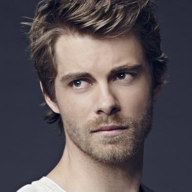 Luke Mitchell Image