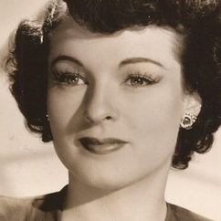 Ruth Hussey Image