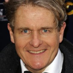 Robert Bathurst Image