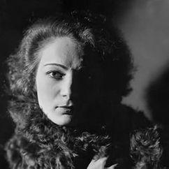 Agnès Capri Image