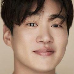 Ahn Jae-hong Image