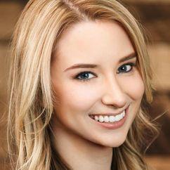 Emma Loggins Image