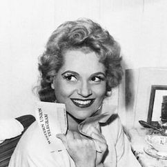 Judy Holliday Image