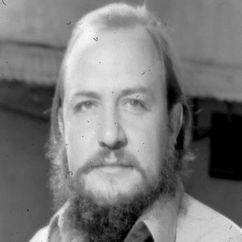 Ramón Menéndez Image