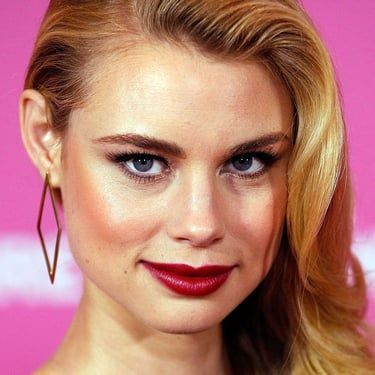 Lucy Fry Image