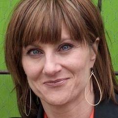 Maureen Jones Image