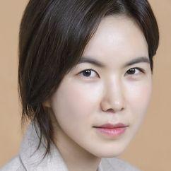 Gong Min-jeung Image