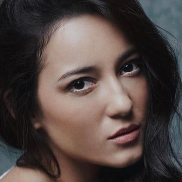 Julie Estelle Image
