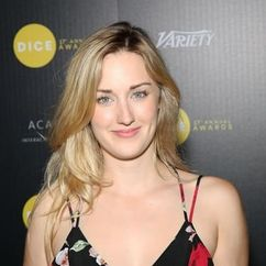 Ashley Johnson Image