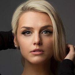 Emily Sweet Image